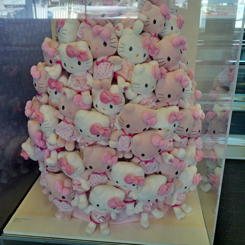 SFO Exhibit - Japanese Toys! Hello Kitty tree